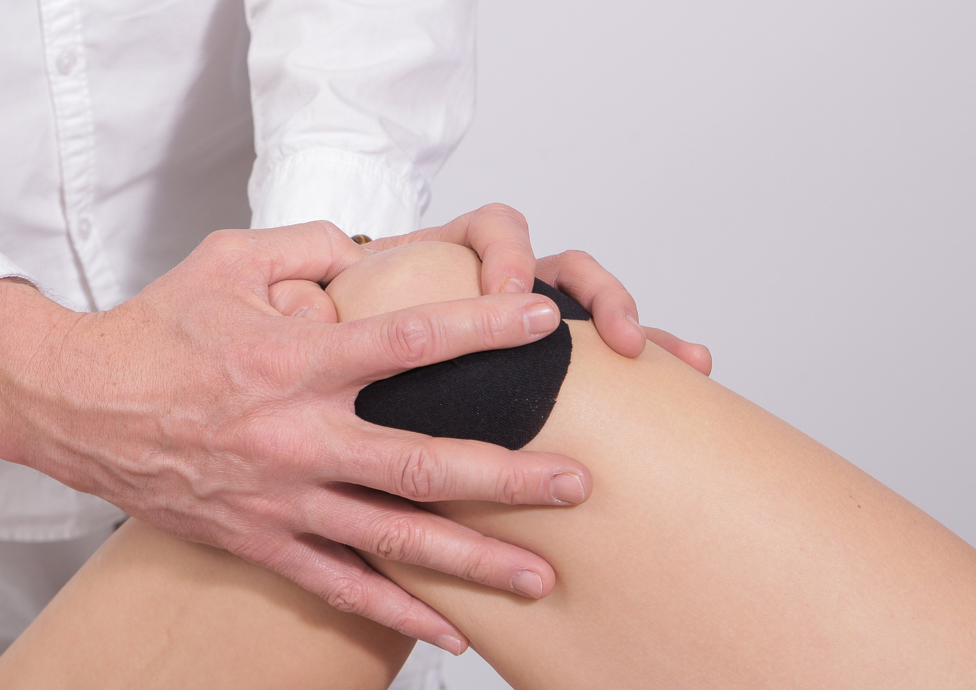 difference between physio and chiro sports injury